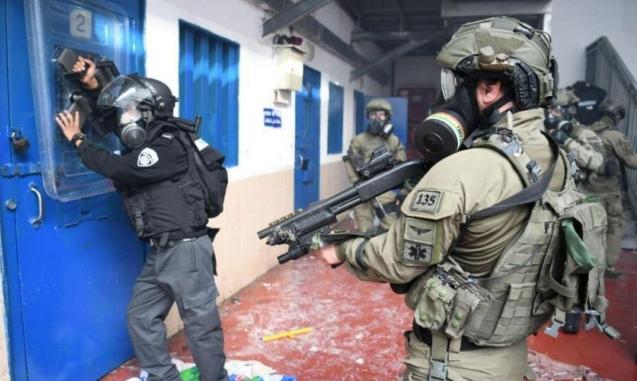 الاحتلال يفرض جملة من العقوبات على 170 أسيرا