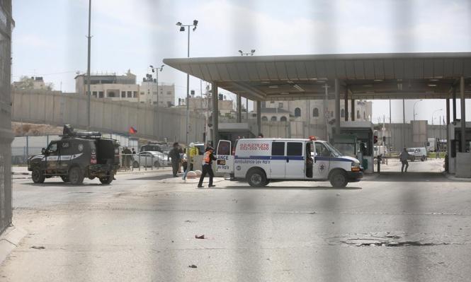 إغلاق حاجز قلنديا بحجة دهس شرطي للاحتلال