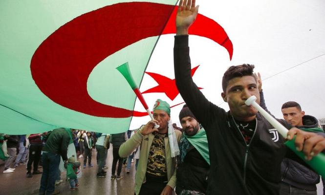 الجزائر: إيقاع الأغاني يتناغم مع إيقاع الشارع