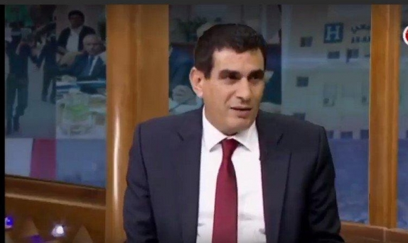"""بسبب السلطة: وقفُ بثّ """"الفلسطينية"""" واللحام يستقيل على الهواء"""