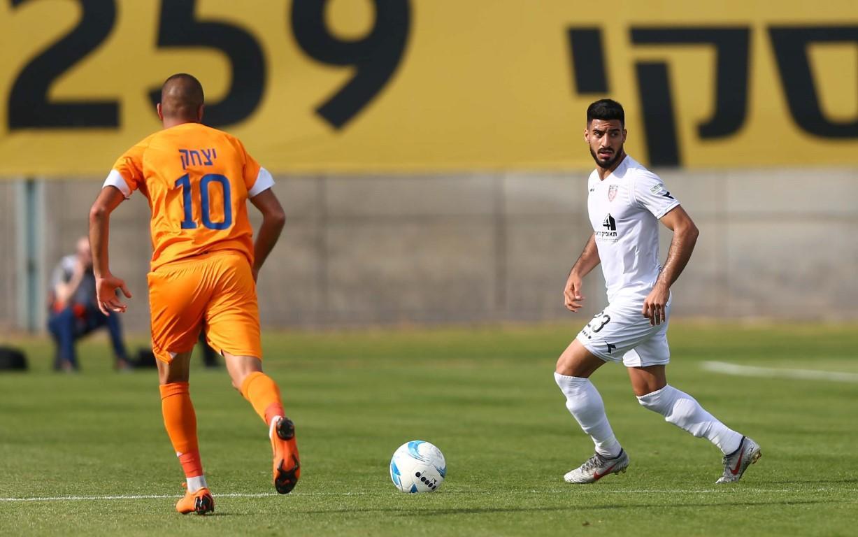 الفرق العربية بالممتازة تستهل البلاي أوف السفلي بالتعادل