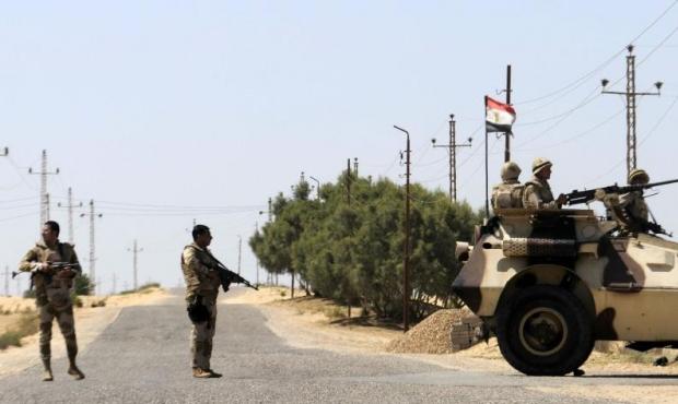 سيناء: مقتل 7 بينهم جنود وإصابة 24 بهجوم انتحاري