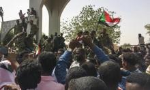 السودانيّون يؤكّدون مواصلة الاحتجاج والجيش يطالبهم بالالتزام بحظر التجول