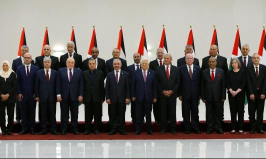 حكومة إشتية تعاود أداء اليمين الأحد لخطأ دستوري