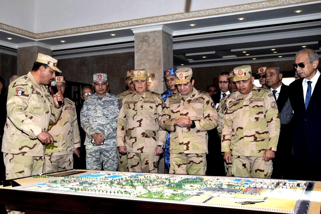 المشاريع الضخمة تمنح للجيش (أ ب)