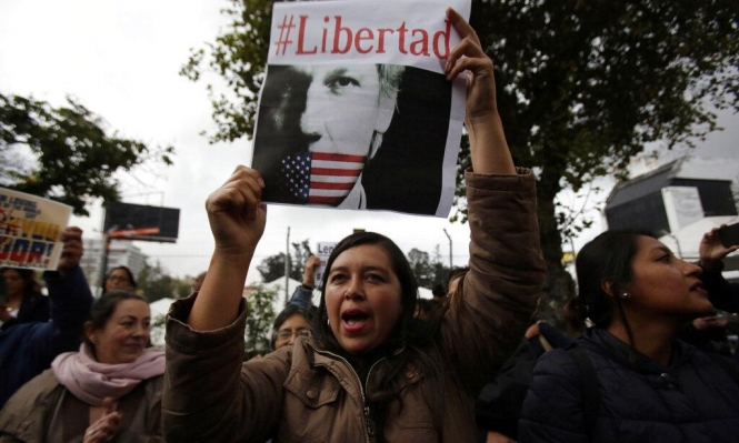 الإكوادور: هجمات إلكترونية عقب تسليم أسانج لبريطانيا