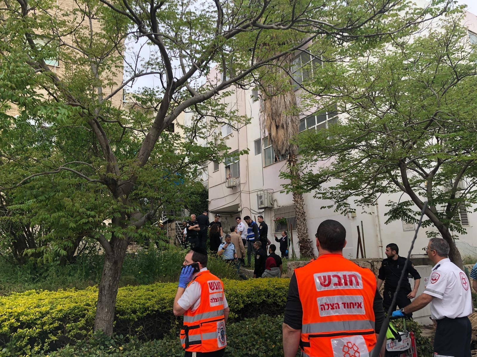 حيفا: 16 مصابا 4 منهم بحالة خطيرة بحريق منزل