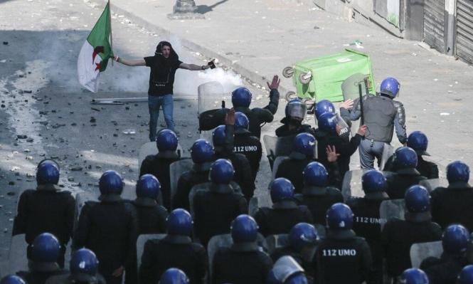 الجزائر: استقالة رئيس المجلس الدستوري بلعيز