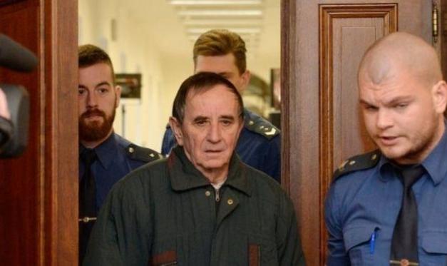"""التشيك: سجن مواطن شن هجومين و""""لفقهما"""" لإسلاميين"""