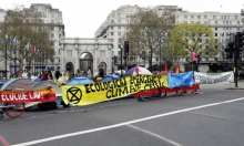 لندن: اعتقال 290 ناشط بيئي بعد مظاهرات ضخمة