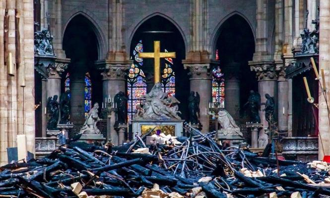 كنائس فرنسا تقرع أجراسها من أجل نوتردام