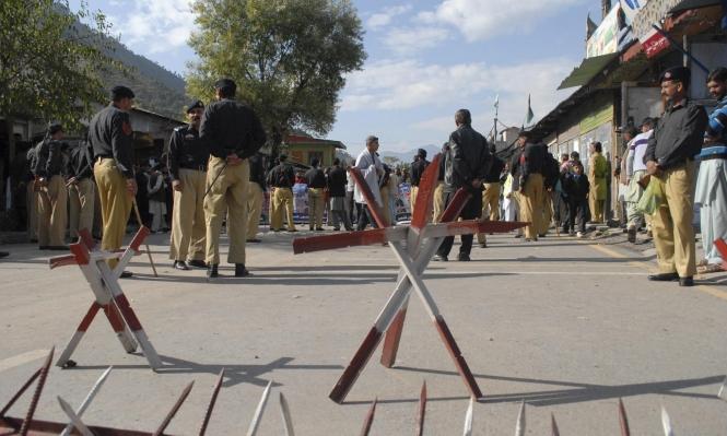 مسلحون يقتلون 14 شخصا بعد خطفهم من حافلات في باكستان