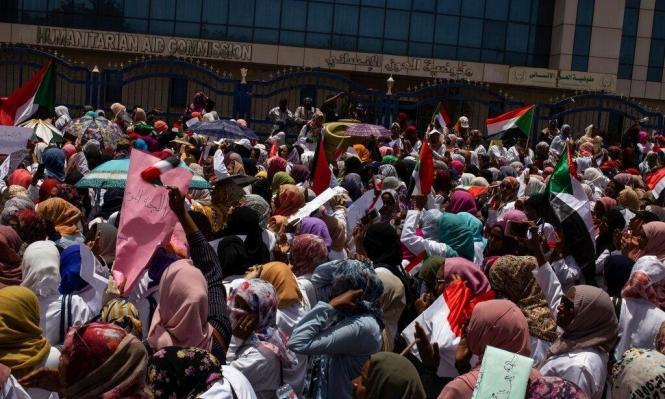 """""""السودانيون لن يتراجعوا قبل تشكيل حكومة مدنية"""""""