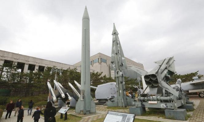 كوريا الشمالية تجري تجربة على سلاح تكتيكي موجه