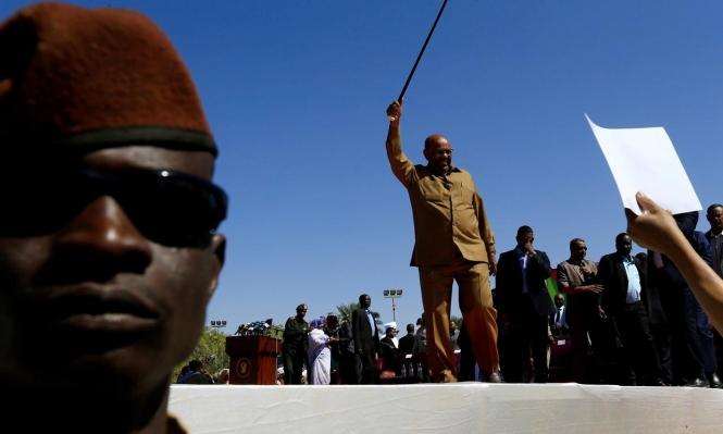 صورة البشير لا زالت تلاحق عذابات دارفور: حوِّلوه للمحاكمة