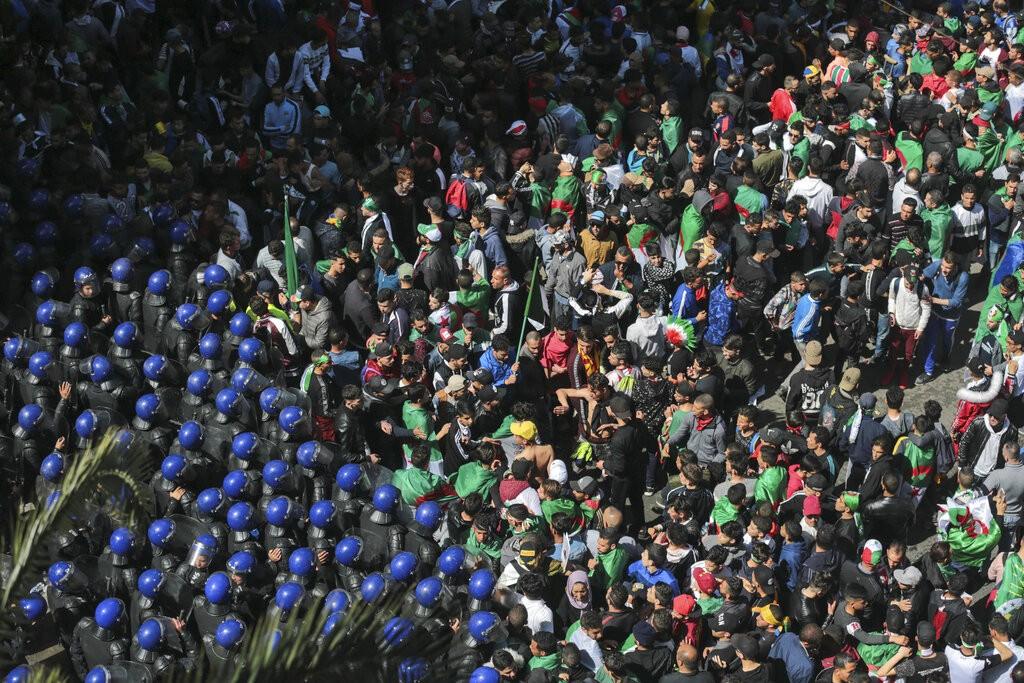 من تظاهرات الجزائر (أ ب)