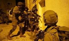 مداهمات واعتقالات ونصب حواجز عسكرية بالضفة