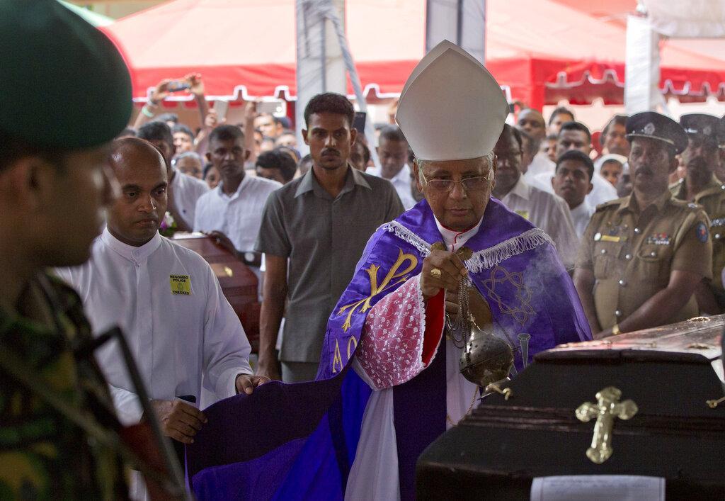 سريلانكا: ارتفاع عدد ضحايا التفجيرات لـ321 والرئيس يتّهم الحكومة