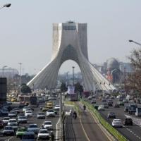 """هل تصمد إيران أمام الخطة الأميركية لـ""""تصفير"""" صادراتها النفطية؟"""