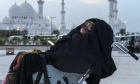 امرأة إماراتية تستفيق من غيبوبة دامت 27 عامًا