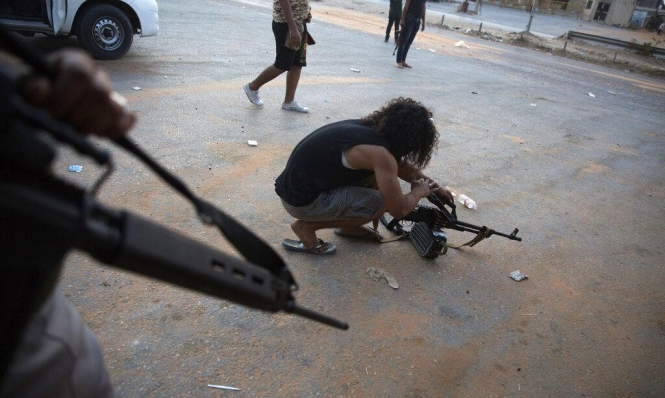 طرابلس: المناطق المكتظة بالسكان تتحول لساحات قتال