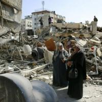 ملادينوف يحذر من أزمة اقتصادية غير مسبوقة في الضفة وغزة