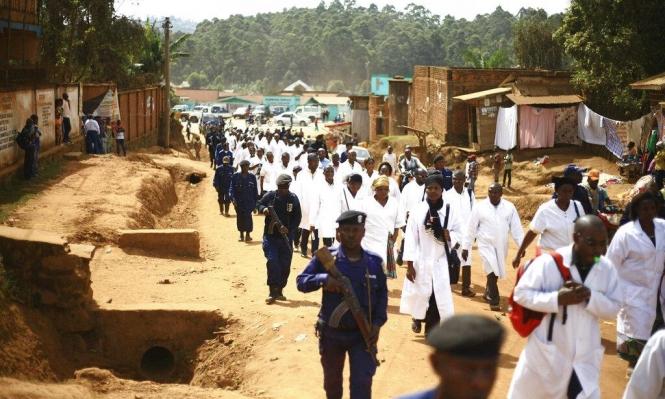 الكونغو: وفاة 900 شخص بسبب وباء الإيبولا خلال بضعة شهور
