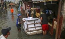 عشرات القتلى والجرحى وآلاف المشردين في فيضانات بإندونيسيا