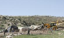 الاحتلال يجرف أرضا ببيت لحم ويخطر بوقف العمل بشارع بالأغوار