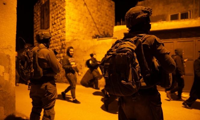 مداهمات واقتحامات بالضفة تخللها اعتقال 20 فلسطينيا