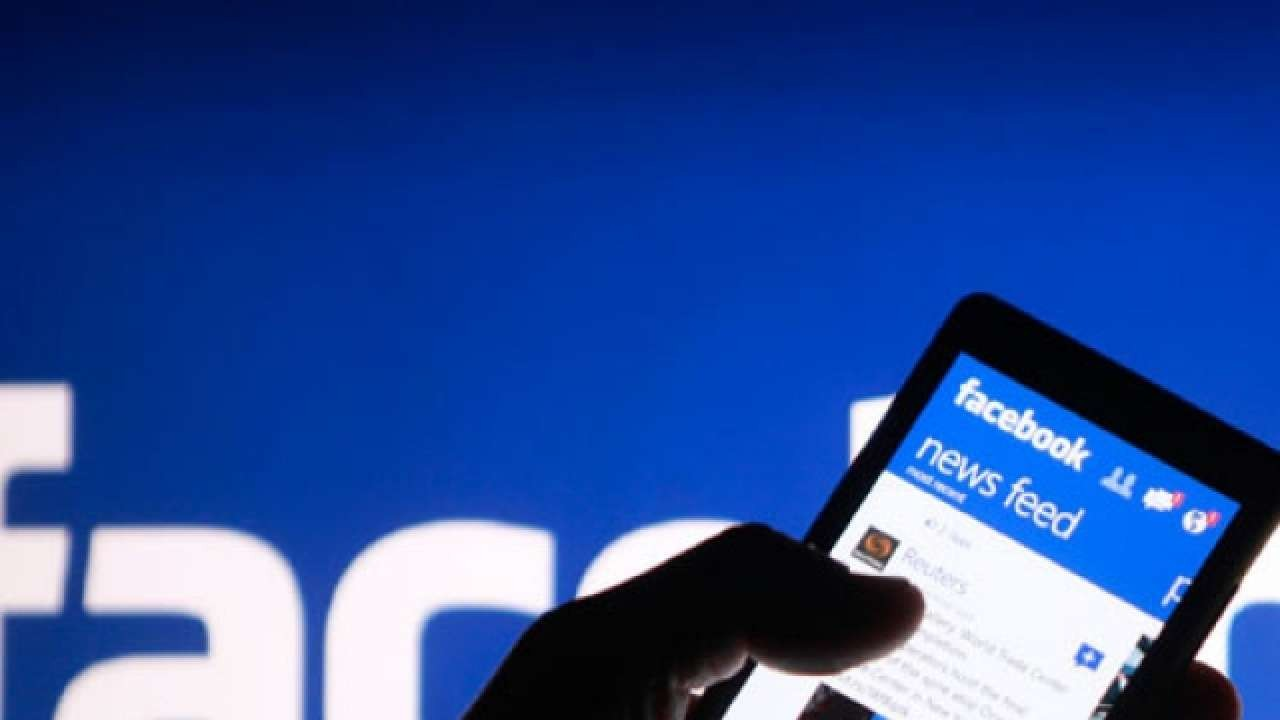 إسرائيل تكرّس مواقع التواصل الاجتماعي لمصالحها (رويترز)