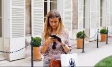 استخدام هاتفك خلال التسوّق يجعلك تشتري منتجات أكثر