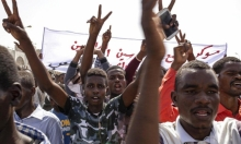 السودان: تأجيل المحادثات بين المحتجين والجيش للإثنين