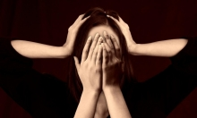 الشيزوفرينيا: مرض نفسي يُخطئ الناس التعامل معه