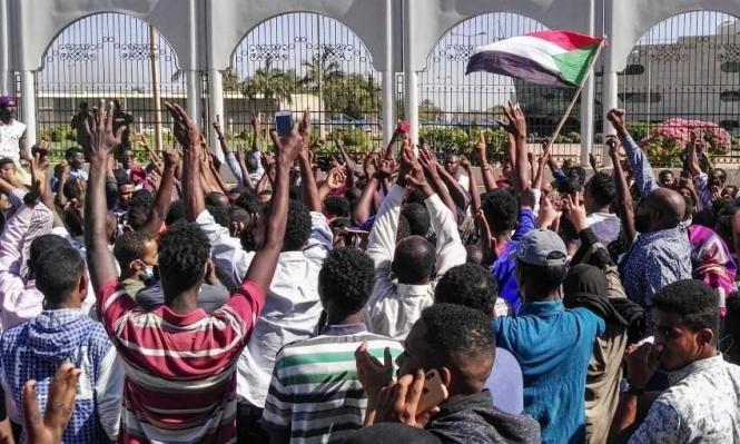 """السودان: استئناف المحادثات بين """"العسكري"""" والمعارضة بعد ليلة دامية"""