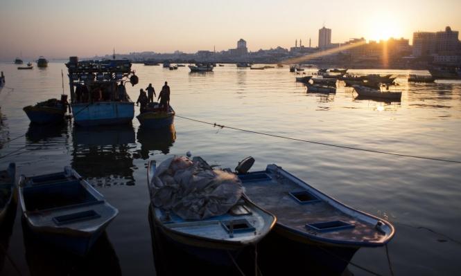 الاحتلال يقلص مساحة الصيد ببحر غزة