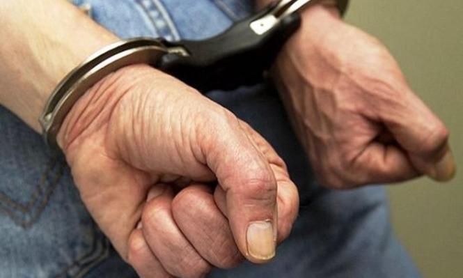 اعتقال شخص بشبهة تقديم المخدرات لابنتيه والاعتداء عليهما جنسيا