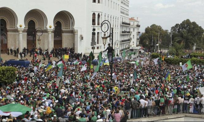 الجزائر: استمرار التظاهرات الحاشدة ضد العسكر