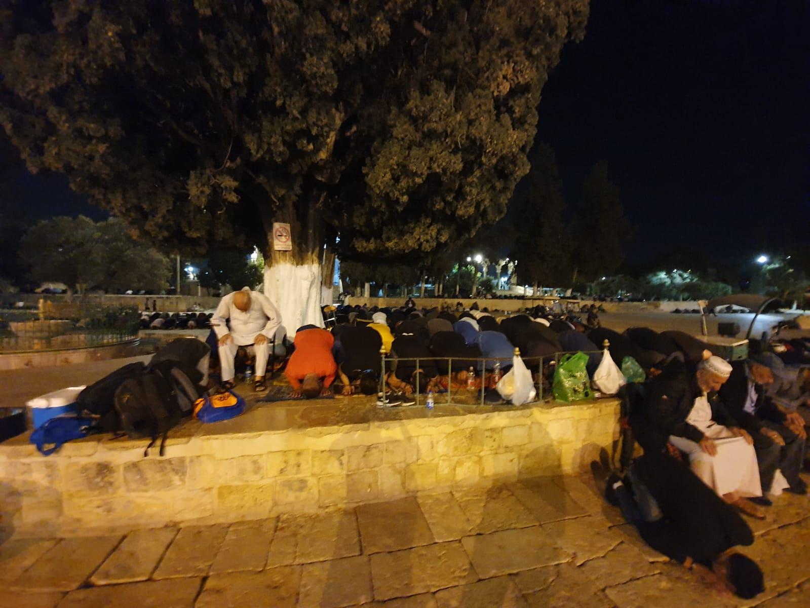 الاحتلال يخرج جميع المعتكفين من المسجد الأقصى المبارك