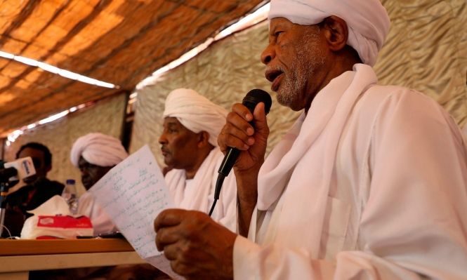 قوى إسلامية سودانية تعترض على إقصاء الشريعة من الحكم