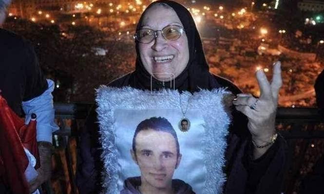 وفاة والدة أيقونة الثورة المصرية خالد سعيد