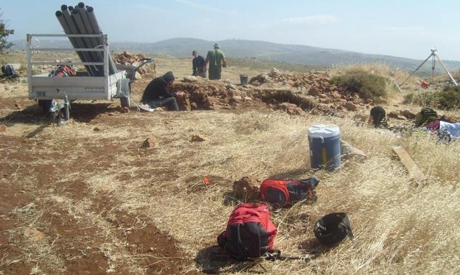 """""""العليا"""" تمنع نشر أية تفاصيل عن حفريات أثرية بالضفة"""
