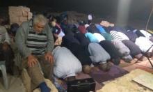 الشرطة تداهم مسجد صرفند