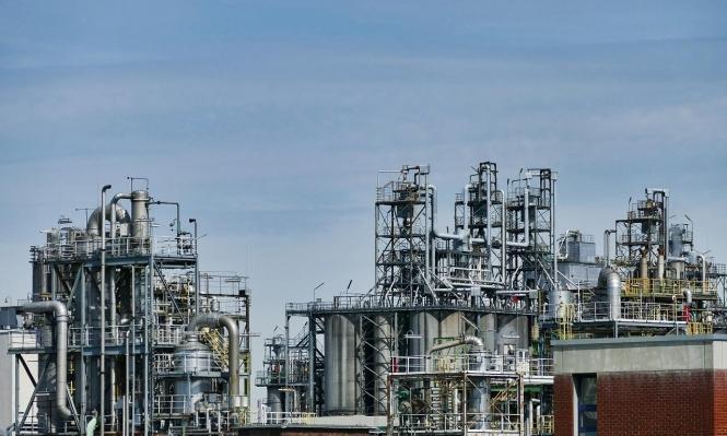أسعار النفط تنخفض والسياسة الأميركية هي السبب