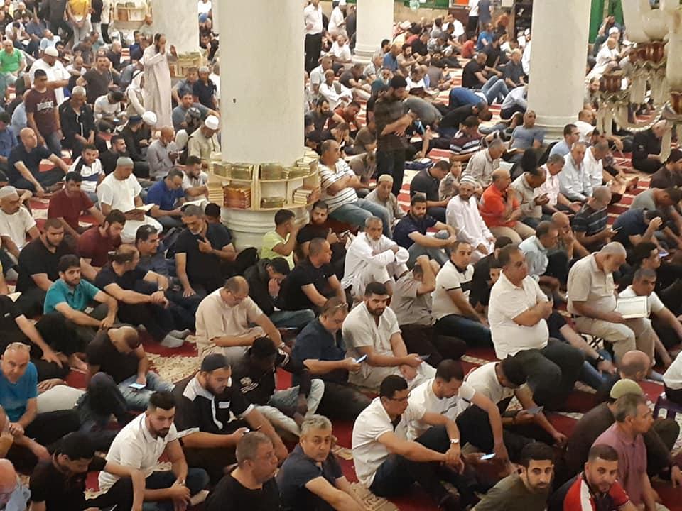 الجمعة الثالثة من رمضان: اعتقالات ومحاولات لمنع الفلسطينيين من الصلاة بالأقصى