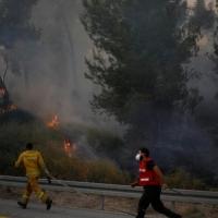 مساعدات لإسرائيل لإخماد الحرائق.. من مصر والسلطة الفلسطينية أيضًا