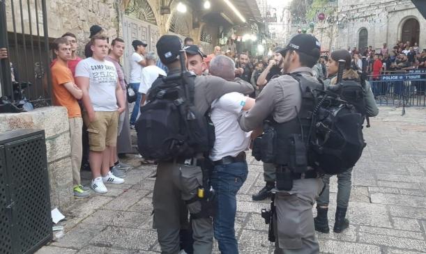 اعتقالات ومواجهات بالضفة والقدس