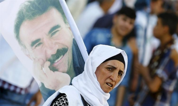 آلاف المعتقلين الأكراد ينهون إضرابا عن الطعام استجابة لأوجلان