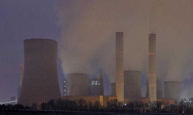 تحذير من تراجُع استخدام الطاقة النووية: تضاعُف انبعاثات الكربون