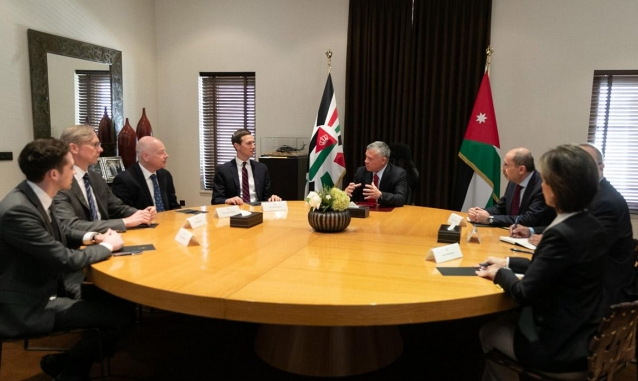 الملك عبدالله لكوشنر: لا سلام إلا بإقامة دولة فلسطينية